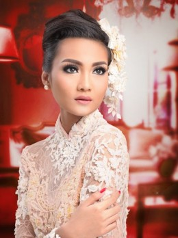Novi Arimuko Modern Make Up 3