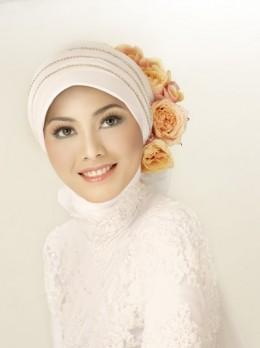 Novi Arimuko Hijab Bridal 3